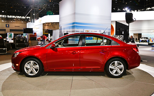 2014-chevrolet-cruze-diesel-side1