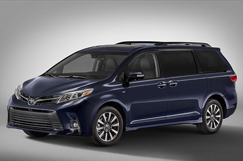 2018-Toyota-Sienna-Limited-front-three-quarters