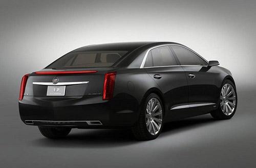 2018-Cadillac-XTS-rear-view-tailpipe